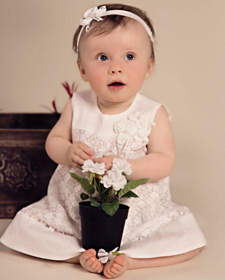 sukienka_do_chrztu_Oliwia_z_kwiatkiem