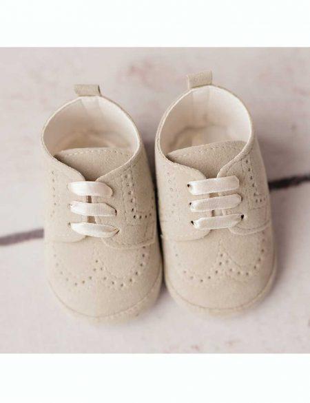 buty do chrztu beżowe